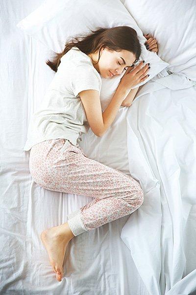 Dormir-sur-le-cote-gauche