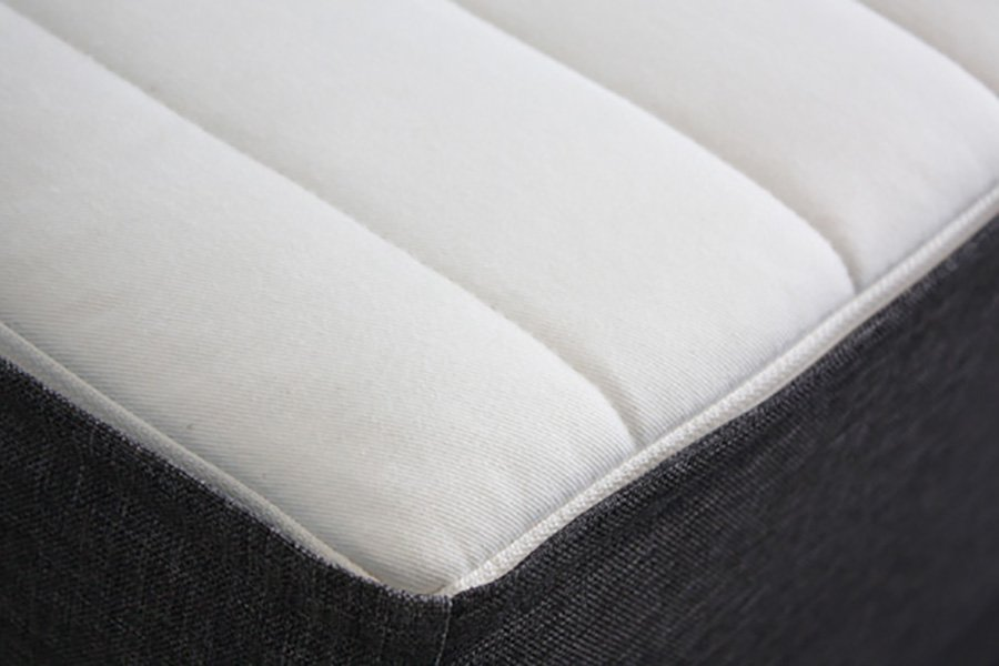 Matelas-tediber-surface-blanche