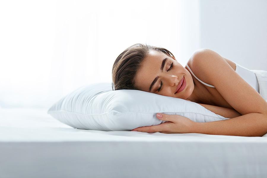 Oreiller-orthopédique-sommeil