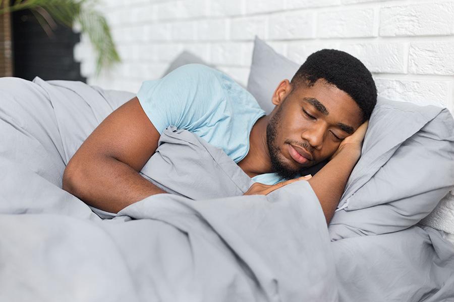 oreiller-memoire-de-forme-homme