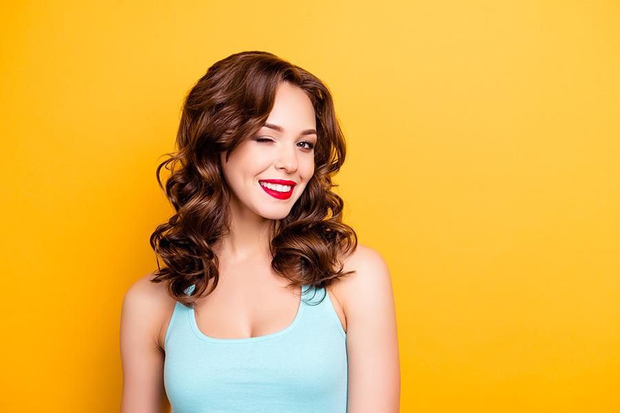 sommier-120×190-femme-sourire